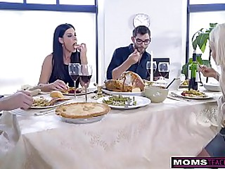 Mom Fucks Son & Eats Teenaged Creampie For Thanksgiving Treat