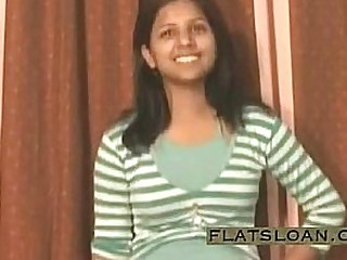 Indian girl freebooting and pissing