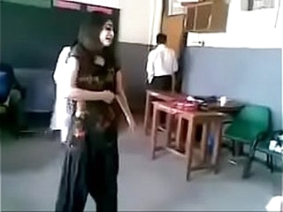 Pakistani Girl Dance back front be useful to Boys In Classroom