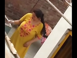 pakistani bhabi ass chasm increased by huge tanks of milk