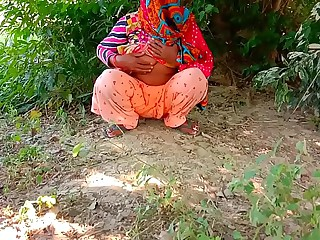 Indian Aunty Outdoor Ensnared